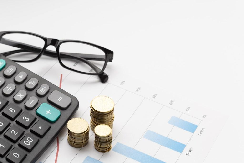 Which is better FD or mutual fund?
